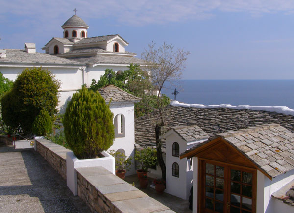 Манастирът Св. Арахангел Михаил